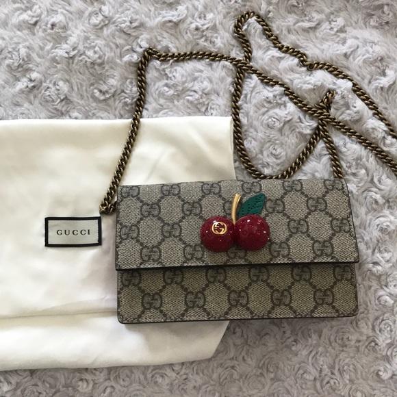 818437d6c66 Gucci Supreme Cherry signature bag NWT